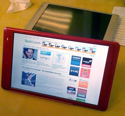 A Crunchpad being used to view TechCrunch.com